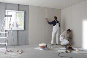 Second oeuvre habillage des murs avec des plaques de plâtre